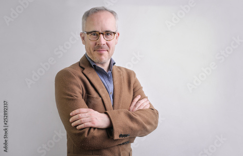 Elegant man smiling Fototapeta