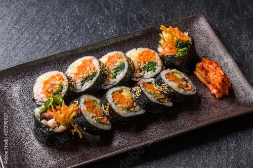 Fototapeta キンパ 韓国の海苔巻き Korean food (gimbap,kimbap) obraz