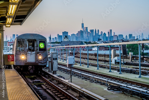 Cadres-photo bureau New York City G Train at Station