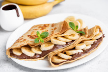 Crepes Stuffed With Chocolate ...