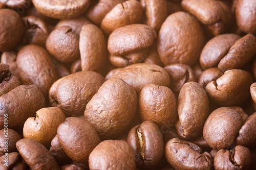 Foto  Roasted coffee beans, closeup