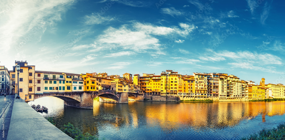 Fototapety, obrazy: Scenic view on Ponte Vecchio in Florence, Italy, on a summer day. Colorful travel background. Panorama view.