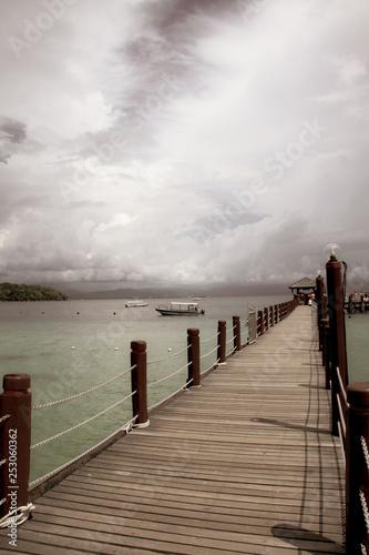Fototapety, obrazy: Pier to the Ship