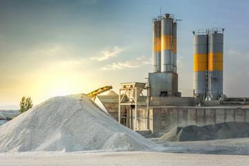 Piasek przeznaczony do produkcji cementu w kamieniołomie