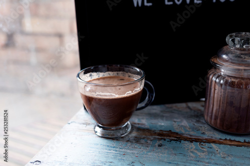 Foto auf Gartenposter Schokolade A cup of delicious hot chocolate - image