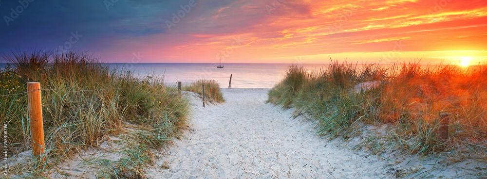Fototapety, obrazy: am Strandübergang - Auszeit genießen