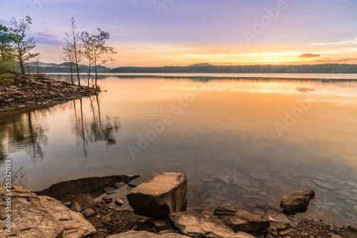 Valokuva #2 Sunset Along Cave Run Lake, KY