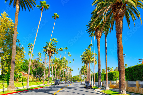 Photo  Urban views of the Beverly Hills area and residential buildings on the Hollywood hills