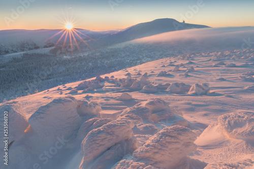 zimowy-krajobraz-gorski
