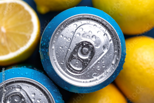 Aluminum cans with lemons. Canvas-taulu
