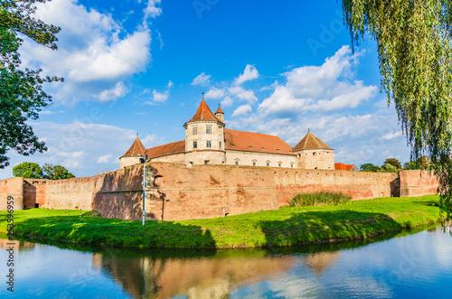 Foto  Fagaras fortress in Brasov County, Transylvania, Romania