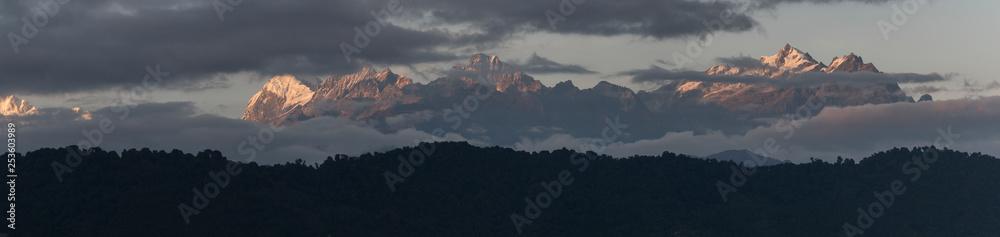 Fototapeta Scenic view of Singalila Range, Great Himalaya Range, Sikkim, India