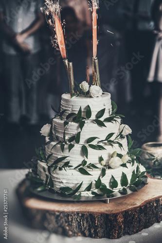 Obraz Rustykalny tort weselny - fototapety do salonu