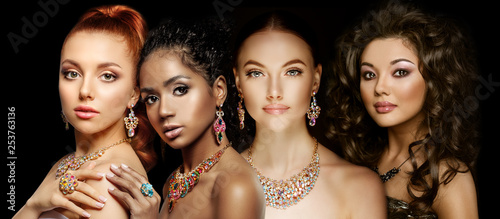 Fényképezés Beautiful Four models girls with set of Jewelry