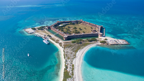 Fototapeta aerial view of Dry Tortugas in Key West Florida