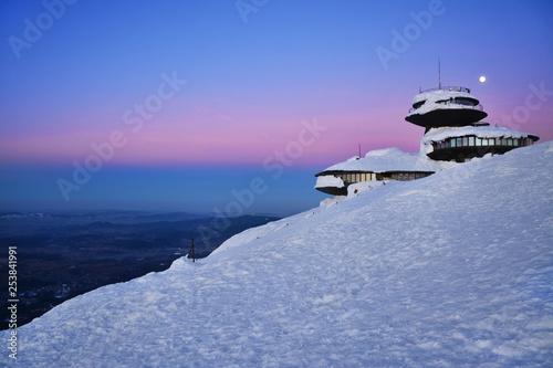 Fototapeta Piękny zachód słońca nad górami, Sudety, Polska obraz