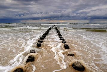 Panel Szklany Podświetlane Molo Wybrzeże Bałtyku podczas sztormu, Kołobrzeg,Polska.