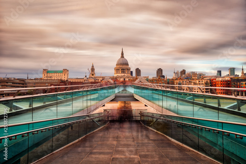 Photo  Millennium Bridge in London towards St Paul's Cathedral, taken in September 2018
