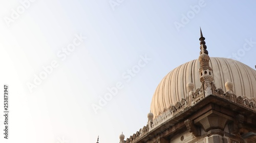 Photo  7 tombs