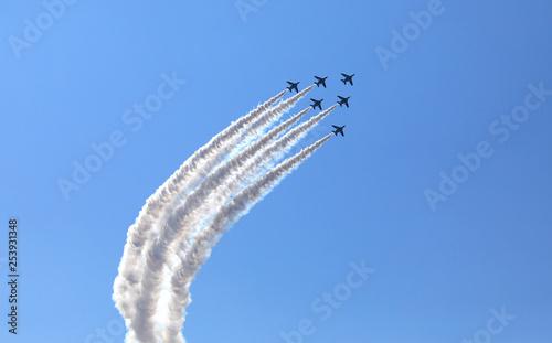 Fotografie, Obraz  ブルーインパルス T-4 ジェット戦闘機 アクロバット飛行