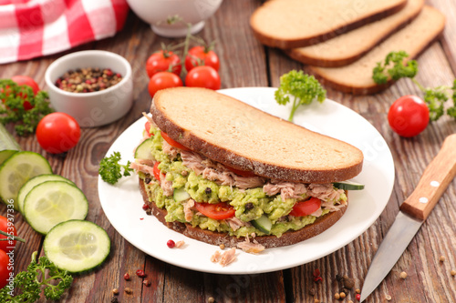 sandwich toast with avocado and tuna фототапет