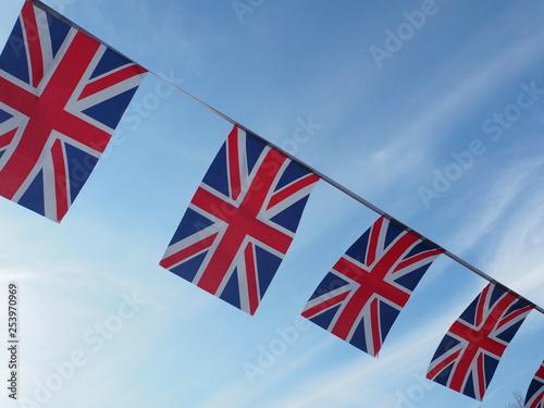 Fotografía  青空にはためくイギリス国旗
