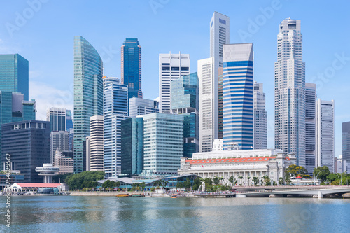Photo  Marina Bay and Financial district with skyscrapers office business building, Sin