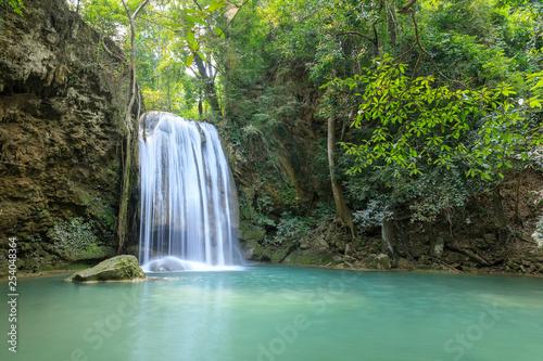 Küchenrückwand aus Glas mit Foto Wasserfalle Erawan Waterfall tier 3, in National Park at Kanchanaburi, Thailand
