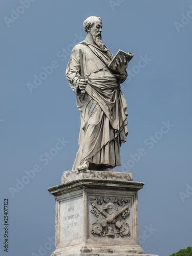 Foto  Statue of the apostle St