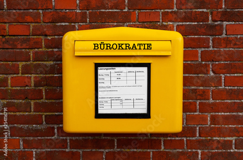 Fotografía  Bürokratie Briefkasten