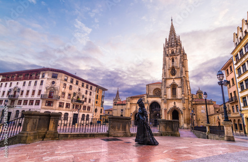 Fotografía  Catedral de Oviedo, España