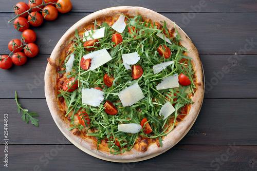 pizza tradizionale rucola e pomodorini freschi Slika na platnu