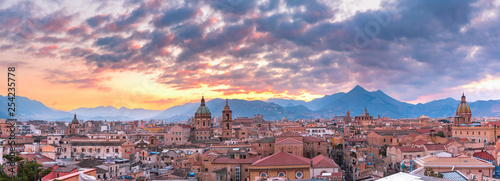Palerme Palermo at sunset, Sicily, Italy