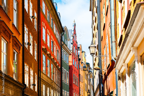 Fotobehang Stockholm Beautiful street with colorful buildings in Old Town, Stockholm, Sweden