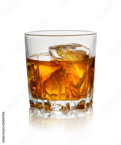 Fotografia Glass of whiskey with ice