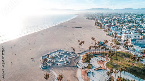Montage in der Fensternische Dunkelgrau Venice Beach Aerial Los Angeles