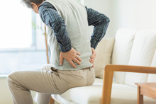 シニア男性 腰痛