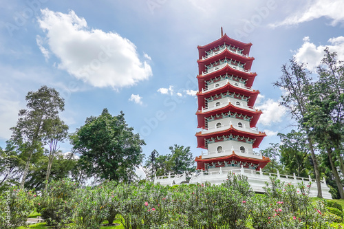 The Chinese Gardens pagoda is one of the most recognizable icons in Singapore Tablou Canvas