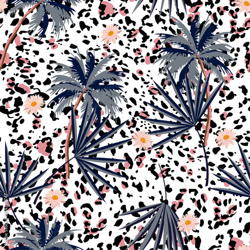 Trendy Seamless Animal Prints Pattern With Tropical Plants