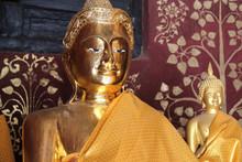 Dans Le Temple Wat Phra That Lampang Luang (Lampang - Thaïlande)