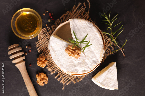 camembert with walnut and honey