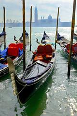 Panel Szklany Podświetlane Wenecja Venice, traditional gondola and basilica view