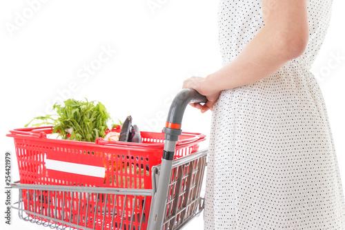 Valokuva  買い物をする若い主婦