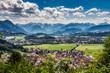 Blick vom Weinberg bei Burgberg im Allgäu Richtung Sonthofen und Alpen Querformat 1