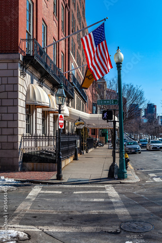 Photo  Boston, USA- March 08, 2019:  The popular 1980s sitcom Cheers for 11 seasons and made the Beacon Hill bar the most famous bar in Boston, maybe in all of the United States