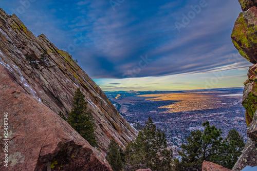 Photo Beautiful Winter Sunset Hike on Flatirons in Boulder, Colorado