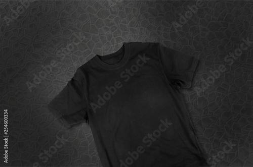 Tela  Black T-Shirt Isolated On White Background