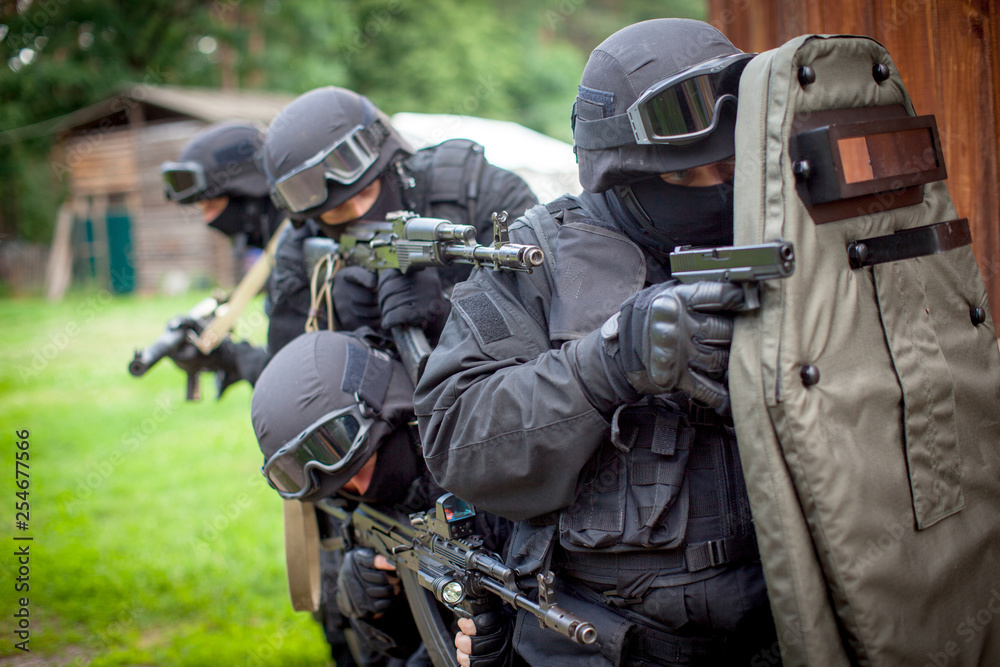 Fototapeta Special force unit in action
