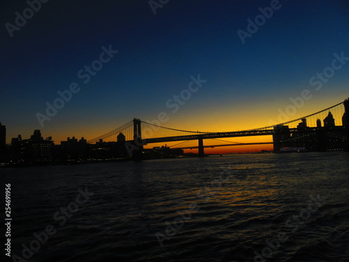 Fototapety, obrazy: sunset at manhatten bridge with brooklyn bridge in background