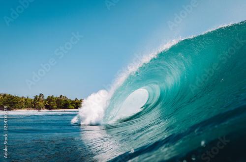 ola rompiendo en Indonesia Fototapeta